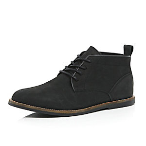 Black lined nubuck leather desert boots