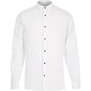 White popper button slim shirt