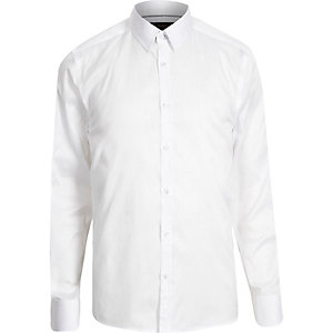 White slim point collar shirt