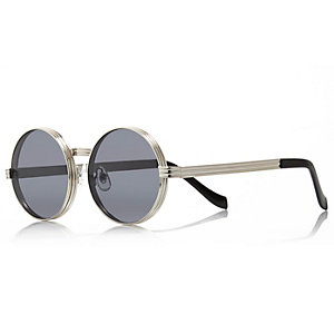 Grey chunky round sunglasses