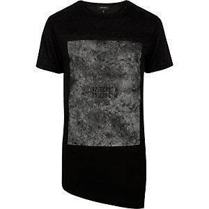 Black asymmetric graphic print t-shirt