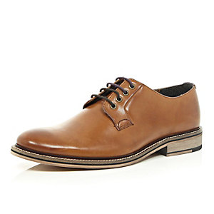Brown leather lace-up derby shoes
