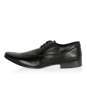 Black smart colored heel shoes