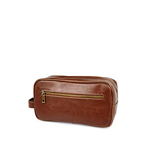 Light brown zip up washbag