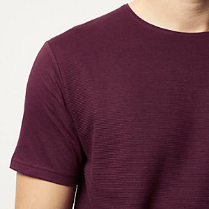 Dark red textured ribbed t-shirt