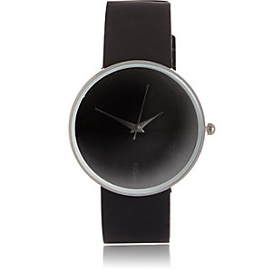 Black minimal rubber watch