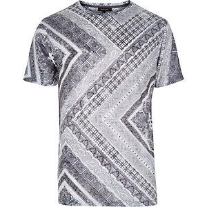 White paisley square print t-shirt