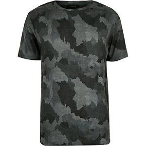 Grey scratchy camo print t-shirt
