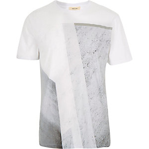 White block shape print t-shirt