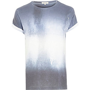Blue textured faded print t-shirt