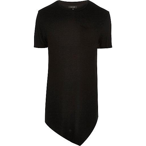 T-shirt noir long asymétrique avec drapé