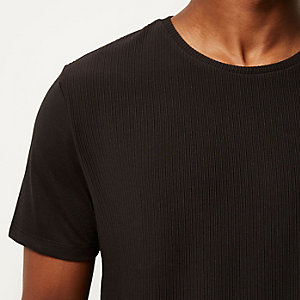 Black textured front t-shirt