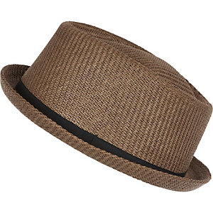 Brown straw pork pie hat