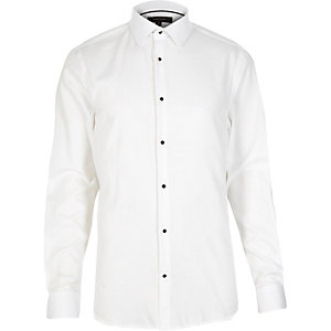 White semi cutaway collar slim shirt