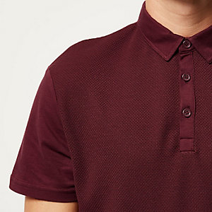 Dark red textured front polo shirt