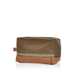 Brown canvas wash bag