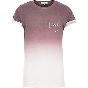 Red faded hexagon print t-shirt