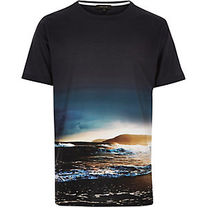 Black waves print t-shirt