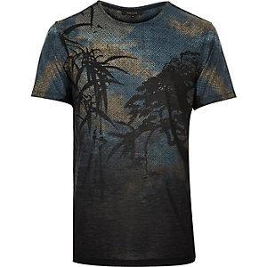 Black ornamental leaf print t-shirt