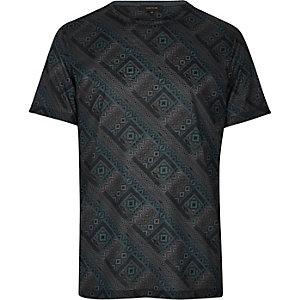 Blue geometric print t-shirt