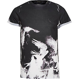 Black abstract bird print t-shirt