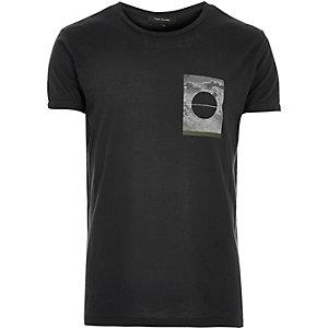Dark green square print t-shirt