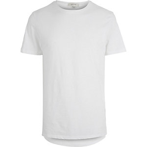 White elongated curved hem t-shirt