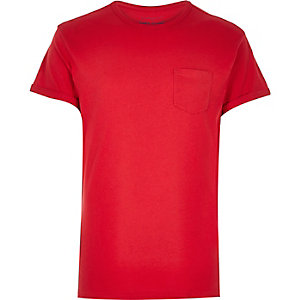 Red plain chest pocket t-shirt
