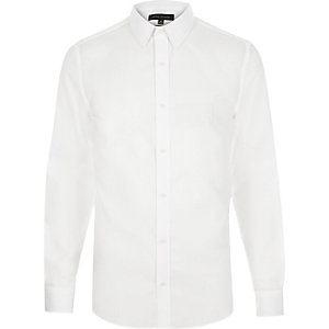 White point collar shirt