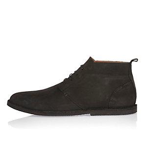 Schwarze Chukka-Stiefel aus Nubukleder