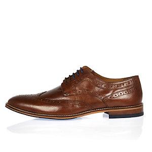 Chaussures richelieu en cuir marron à lacets contrastants