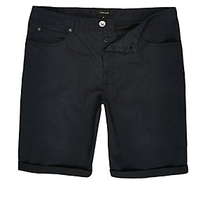 Black slim five pocket bermuda shorts