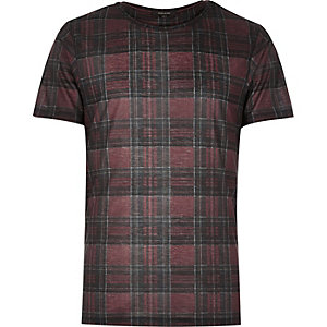 Dark red plaid check t-shirt