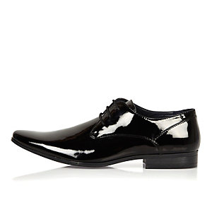 Black patent smart shoes
