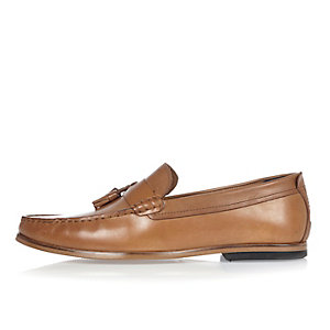 Tan brown leather tassel loafers
