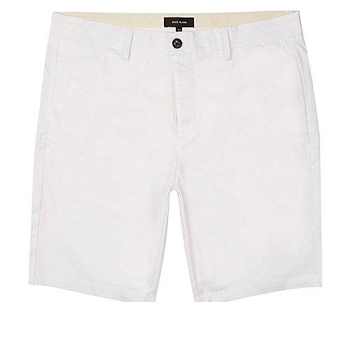 Weiße Slim Fit Bermudashorts