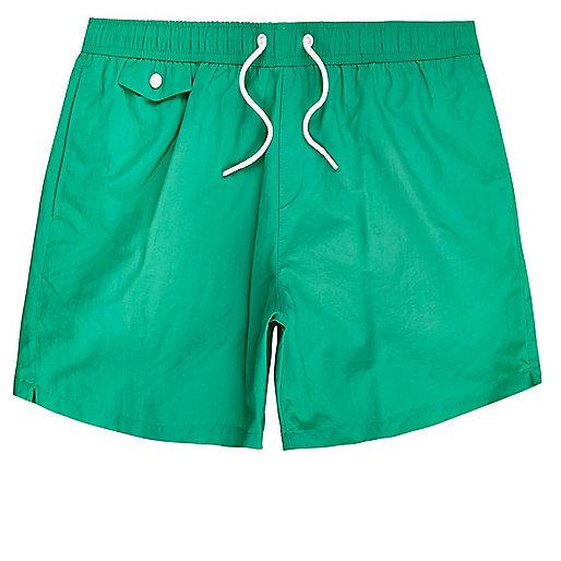 Grüne Badeshorts mit Tasche