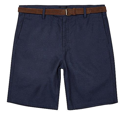 Lila Slim-Fit-Shorts mit Gürtel