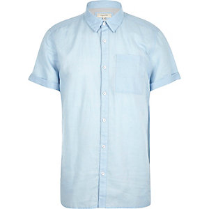 Light blue linen-rich short sleeve shirt