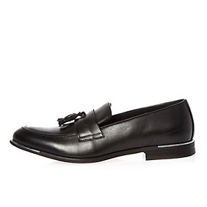 Black silver tipping tassel loafers