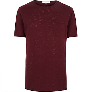 Red crew neck short sleeve top