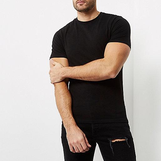 T-shirt noir à coupe ajustée