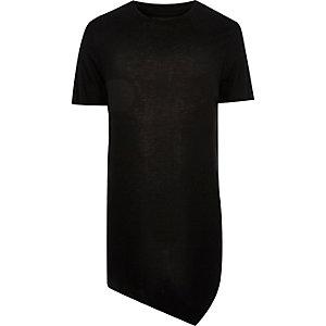 Asymmetrisches, schwarzes T-Shirt
