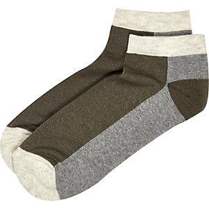 Green block panel sneaker socks