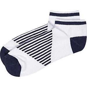White stripe panel sneaker socks