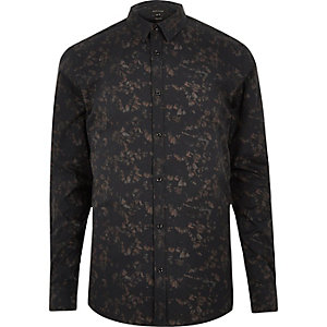 Black gravel print slim fit shirt