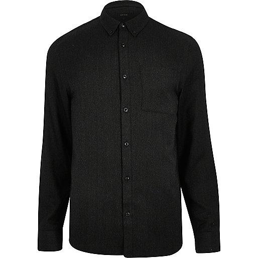 Schwarzes Hemd mit Fischgrätmuster