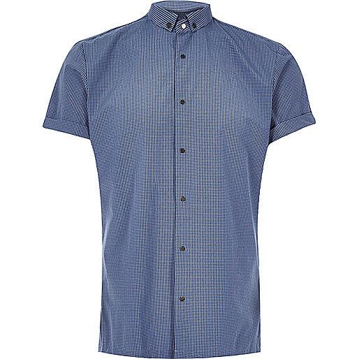 Blaues, schmales Hemd mit Karos