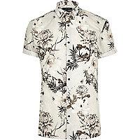 Schmales, weißes Hemd mit Blumenmuster