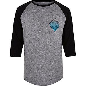 Grey Berlin print raglan t-shirt